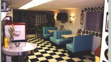 Beverly Hills Diner Booths at Bob and Jeanette's – West Bloomfield, MI