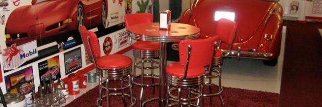 Gary's Retro Pub Table – Fountain Hills, AZ