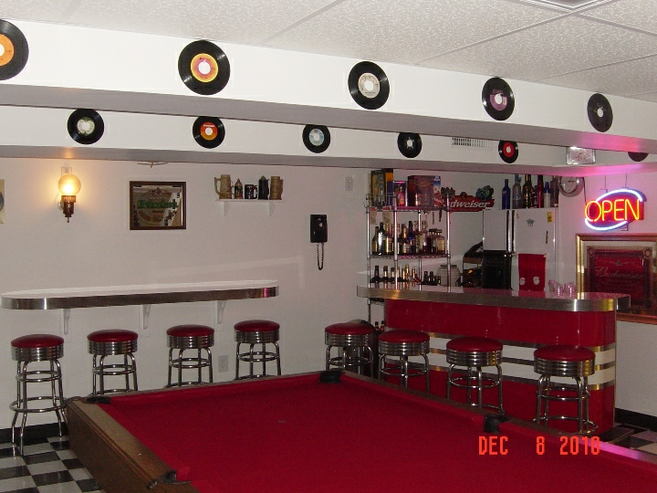 Jim and Carol\'s Game Room Bar and Booth