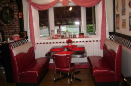 Joan's Retro Kitchen Diner Booth – Bohemia NY