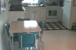 John's Retro Kitchen Table and Chairs – CA