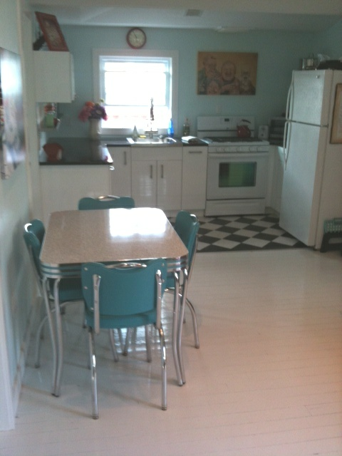johns retro kitchen table and chairs