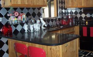 Larry's Retro Kitchen – Sterling Heights, MI