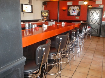 Lucky-12-Tavern-Nags-Head-NC-Featured.fw_