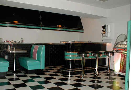 Mark-and-Lynns-Retro-Room.fw_1
