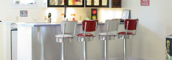 Mirione's Bar and Diner Booth – Mansfield, VA