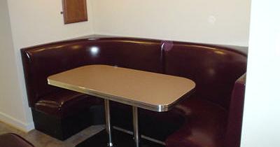 Loraine's Pub Booth – Ashburn, VA