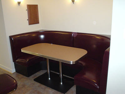 Incroyable Pub Style Diner Booth Set.fw_