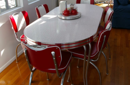 Retro Table and Chairs – Croton on Hudson, NY