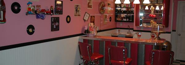 Taylor's Pink Retro Room – Palmyra, PA