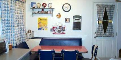 Thomson's Corner Booth – Saugus, CA