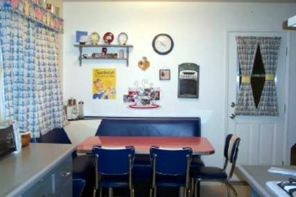 Thompson-Corner-Booth-Set.fw_