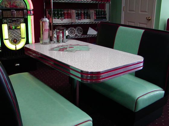 Deco Diner Booth Set