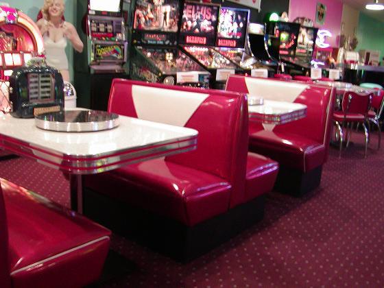 TCB Diner Booth Set