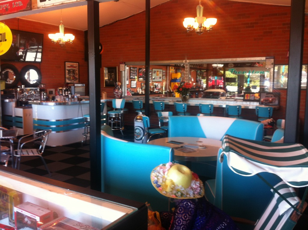 Barsandbooths Com Retro Furniture At Freestone S Roadhaven
