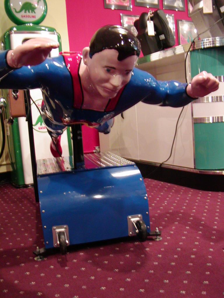 Superman Kiddie Ride