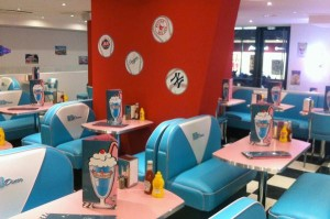 HD Diner - Levallois - Furniture and Decor by BARSandBOOTHS.com