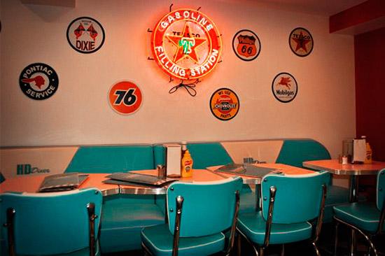 HD Diner - Furniture & Decor by BARSandBOOTHS.com