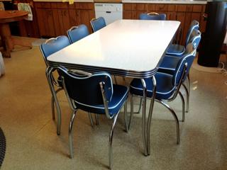 Kowalski retro kitchen table and chairs
