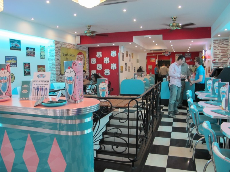 Hd Diner 1950 S American Themed Diner In France Bars And