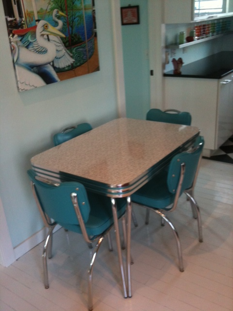 Retro Dinette with Handleback Chairs