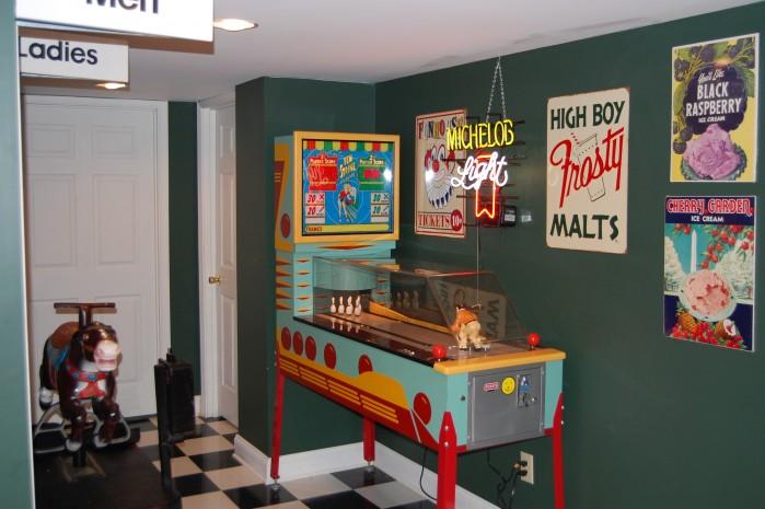 Mike's Game Room Vintage Pinball Machine