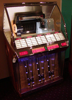 Seeburg-G-Jukebox-Restored_1
