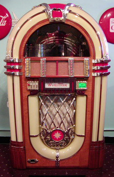 Wurlitzer-1015-Jukebox-Front_1