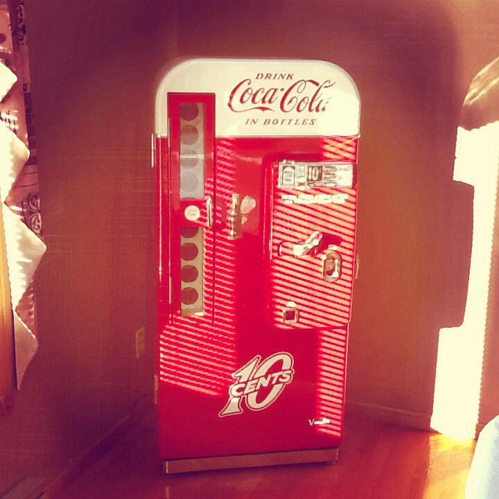 Vendo 81D Restored Vintage Coca Cola Machine