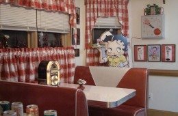 Gee's Diner Booth