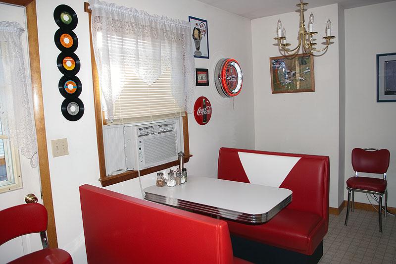 Bill & Judy's Apt Diner