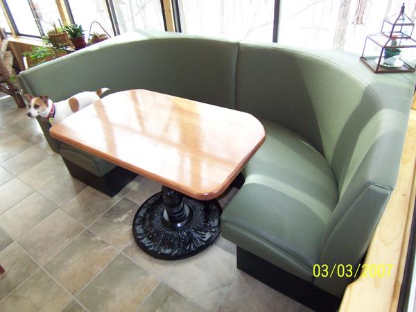 modern-diner-booth
