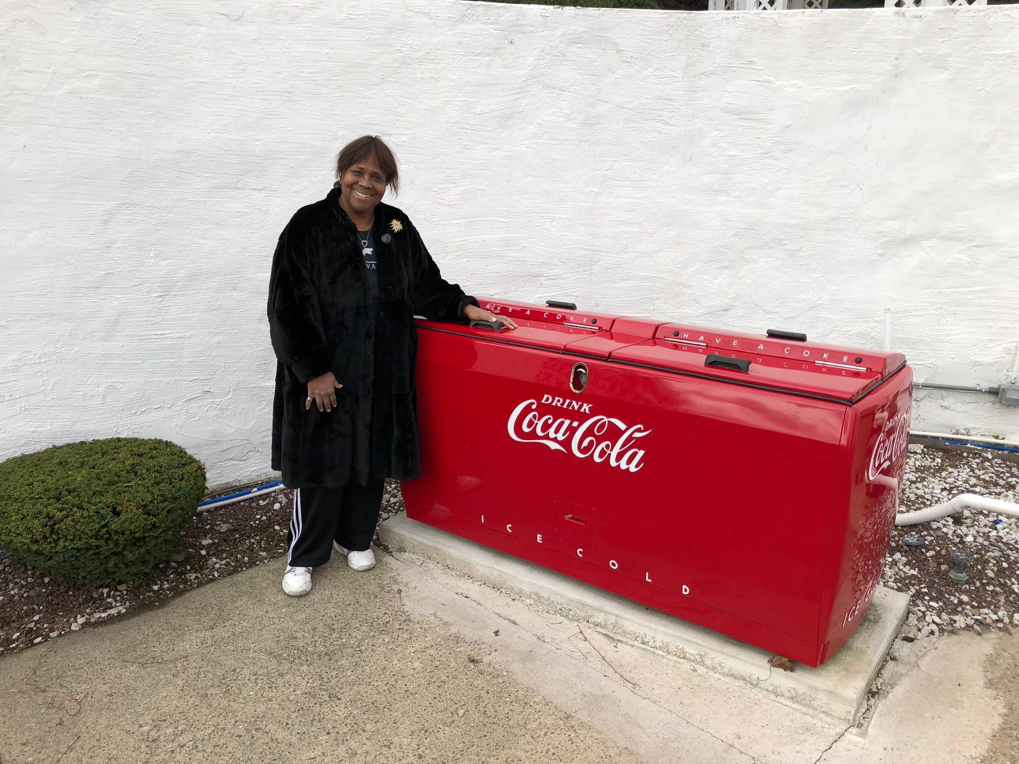 Retro Vintage Coke Machine Coca Cola Restoration Bars and Booths